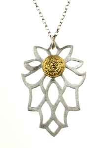 Sima Vaziry pendant