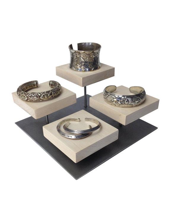 london-jewellery-school-blog-jewelry-display-at-craft-fairs