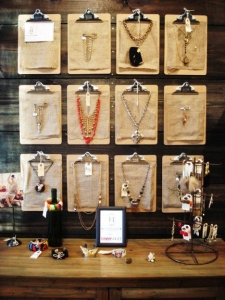 london-jewellery-school-blog-Jewelry-necklace-display