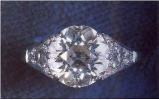 Queen's engagement ring