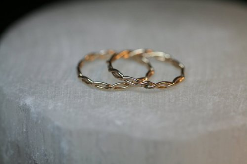 london-jewellery-school-blog-celebrity-jewelry-twisted-gold-wedding-bands