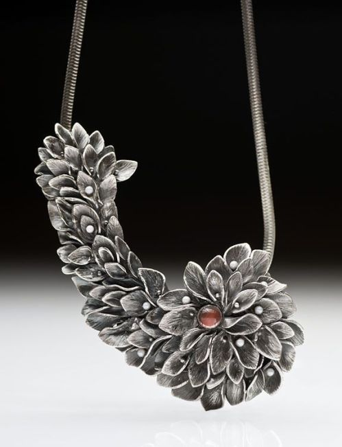 london-jewellery-school-blog-jewellery-innovations-metal-clay-necklace-julia-rai