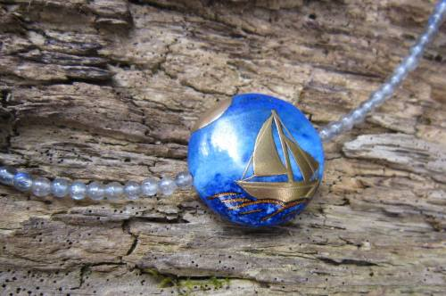 London-Jewellery-School-Blog-Maker-of-the-Year-2016-Competition-Shortlist-Suzanne-Ross-Lapis-Maki-e-pendant