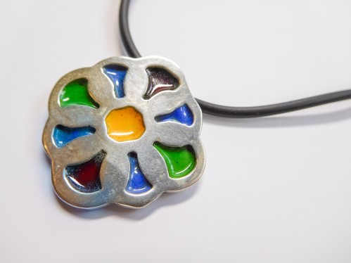 lJS-blog-art-clay-950-preview-enamelled-pendant-anna-campbell