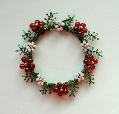 london-jewellery-school-wire-wrapped-christmas-wreath