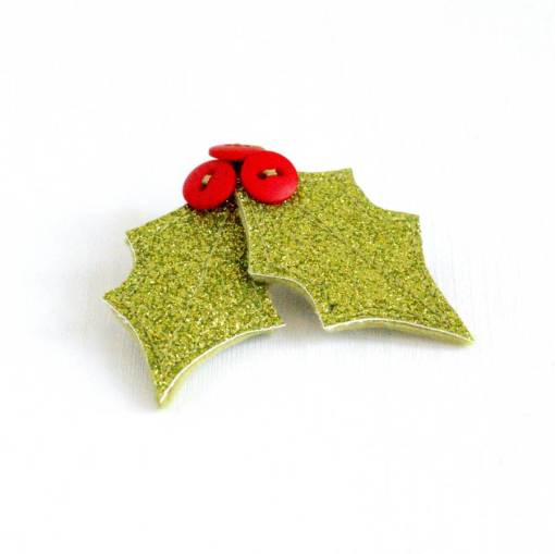London-Jewellery-School-Blog-Christmas-Jewellery-Inspiration-Holly-Brooch