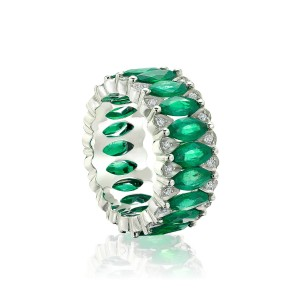 amore-collection-emerald-ring-pantone-2017-greenery