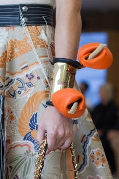 london-jewellery-school-blog-power-of-flowers-Loewe-lily-cuff