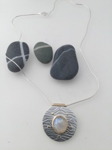 leonie-marks-pendant-london-jewellery-school-diploma-in-silver-jewellery