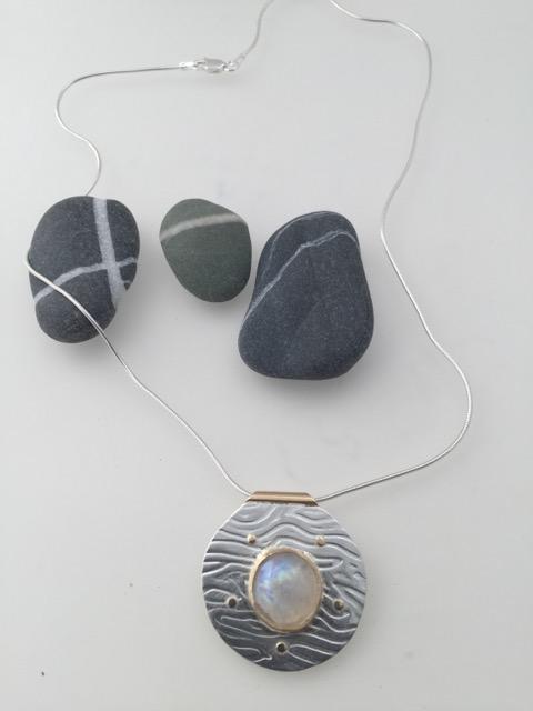 leonie-marks-pendant-london-jewellery-school-diploma-in-silver-jewellery