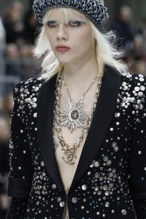 double-necklace-latest-jewelry-trends-for-fall-winter-2017-chanel-london-jewellery-school-blog